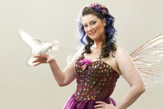 It's magic from Down Under! The amazing Fairy Lee, from Australia, will be dazzling Capetonian audiences with her special brand of walkabout magic pre-show at the Imagine! Family Magic Spectacular at the Artscape Theatre on Saturday 3 June, 2017.