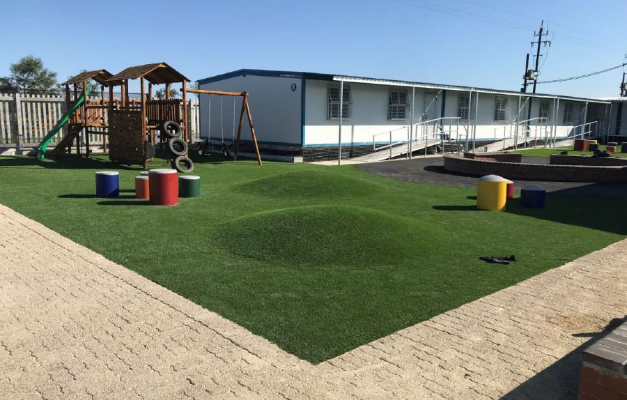Kwikspace supplied the Early Childhood Development Centre as a complete turnkey project, including fabrication of all classrooms, ablutions and a diner, as well as executed all civils and construction work