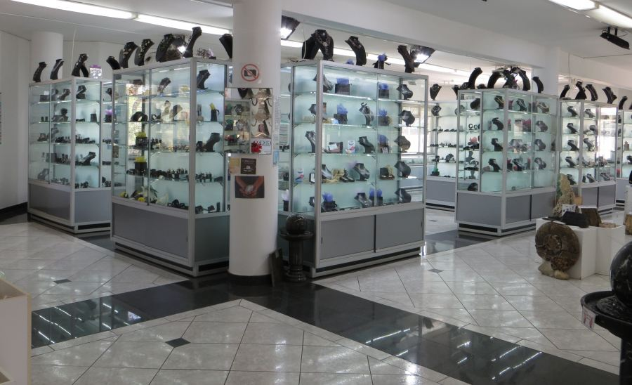 Africa's Largest Jewellwer Showroom and Gemstone Attraction
